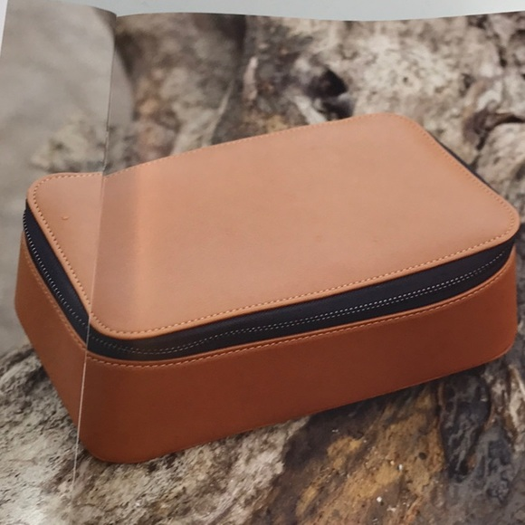 Brouk   Co Tech Leather Dopp Kit d7bb197ca95d0